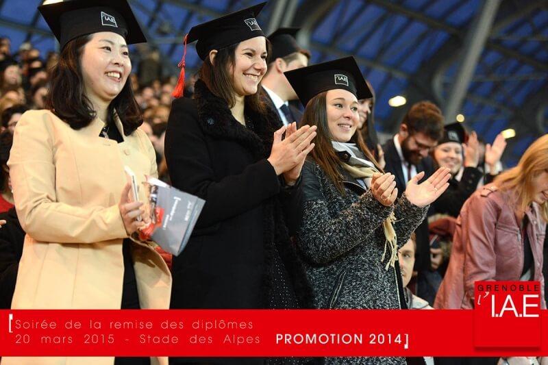 Félicitations aux diplômés