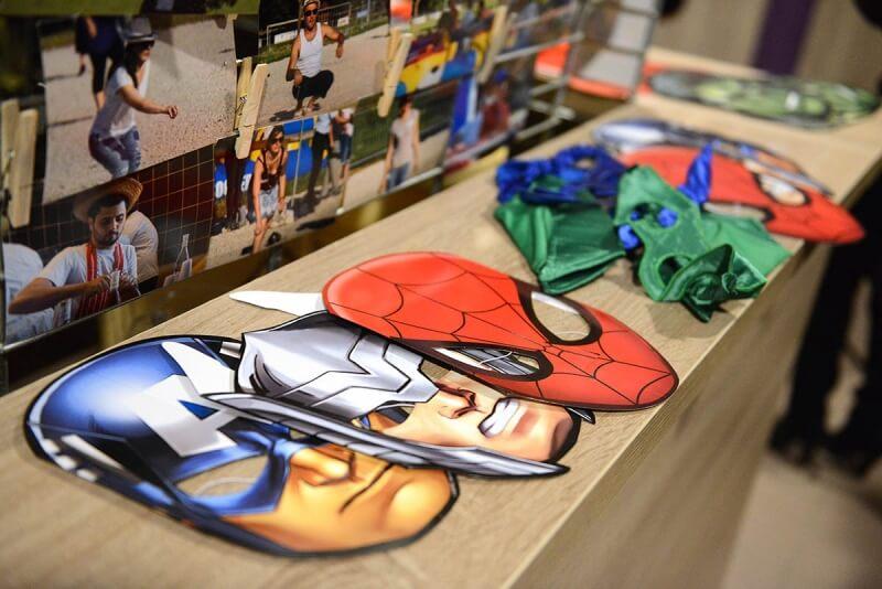 """Mise à disposition d'accessoires """"Super héros"""""""