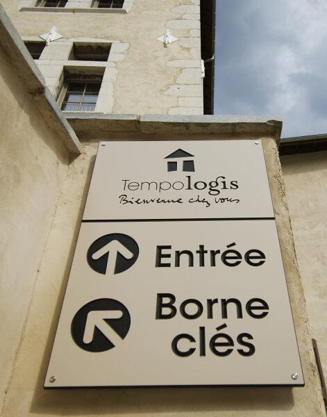 Panneau à l\'entrée du Château